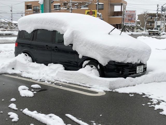 雪かきはもうしたくない・・・